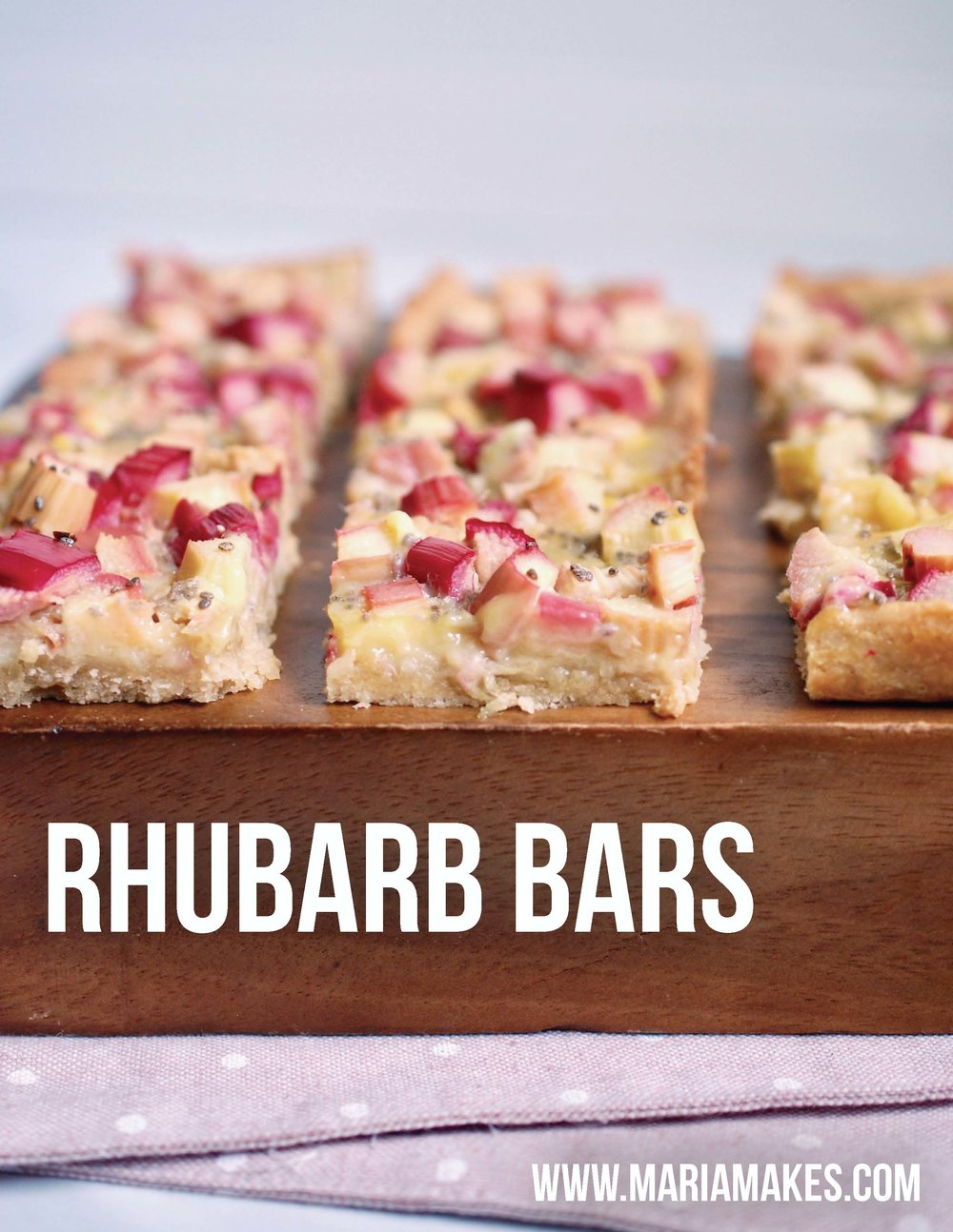 Rhubarb Bars – Maria Makes: Make the most of rhubarb season with these tangy and sweet bars, free of refined sugar and refined flour, a healthy remix that is full of good-for-you ingredients and oh so tasty!