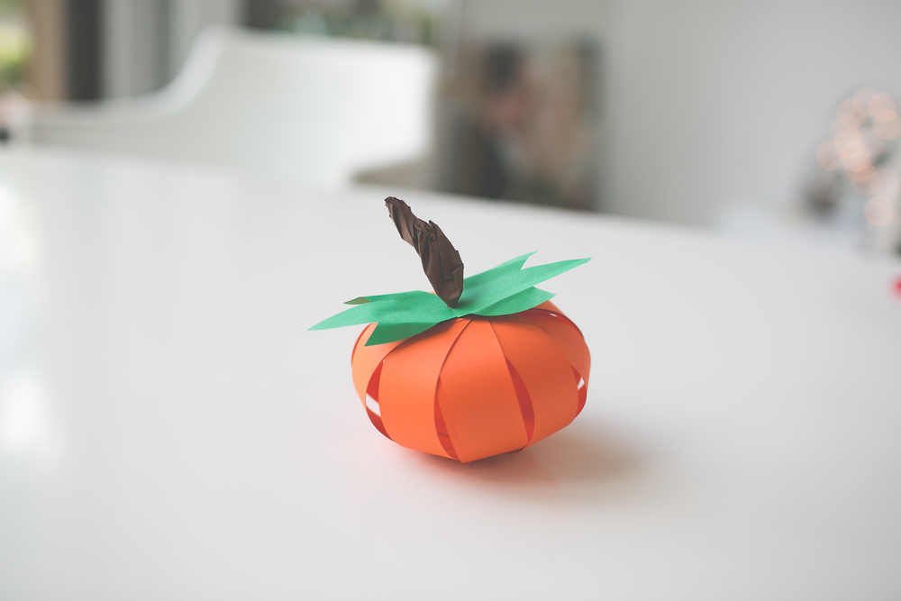 Paper_Pumpkin_DIY_Paper_Craft_Easy_Simple_Cheap_kid_adult_decor_halloween_thanksgiving-110.jpg