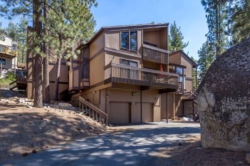 2018SAI-04_South Lake Tahoe Townhouse.jpg