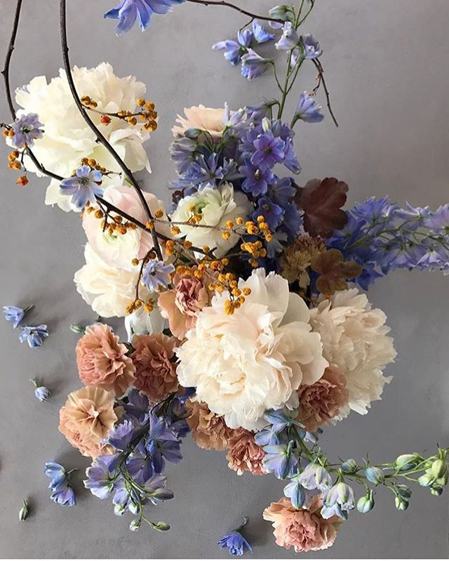 Who's feeling good this week?  Regram: @runningwildflorals . . . . . . #inspiration #floral #print #colorscheme #palette #taste #style #decor #decorating #interiordesign #pastel #flowers #bouquet #flatlay #girly #sopretty #inspired #tuesday