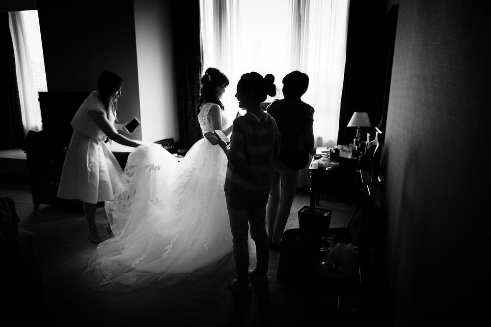 Ivy mit ihrer bezaubernden Cousine und den zwei Mädels von der Agentur im Hotelzimmer beim schick machen. 21.10.2013