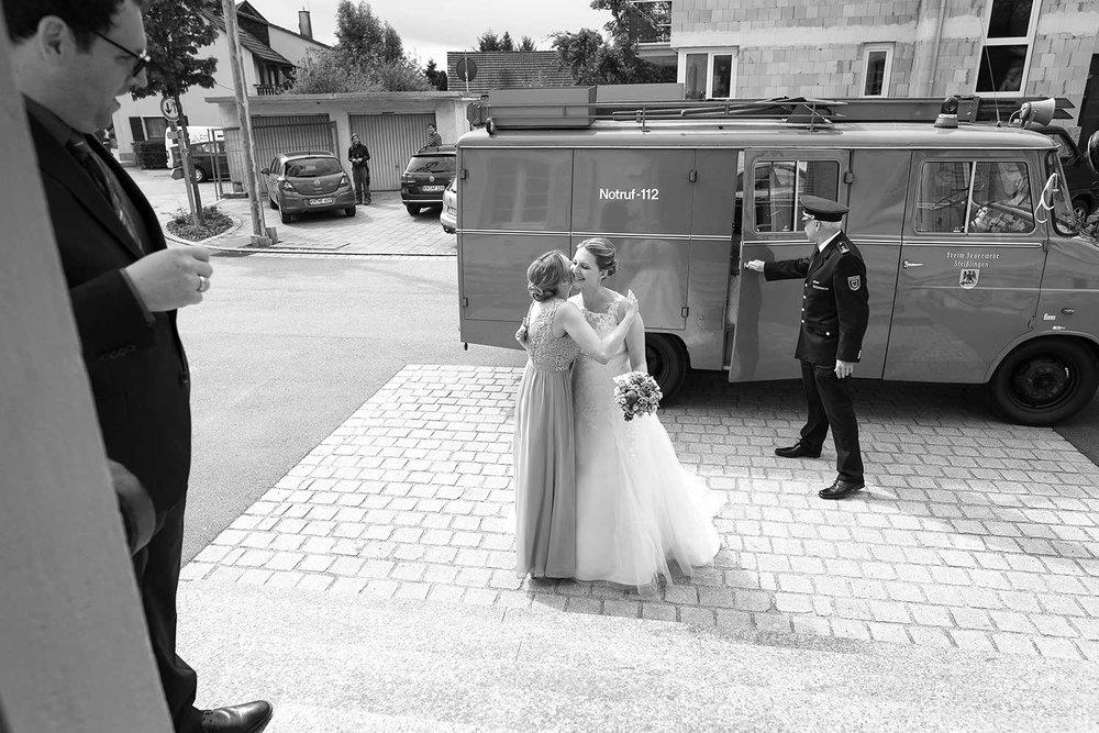 Braut Feuerwehr 2.jpg