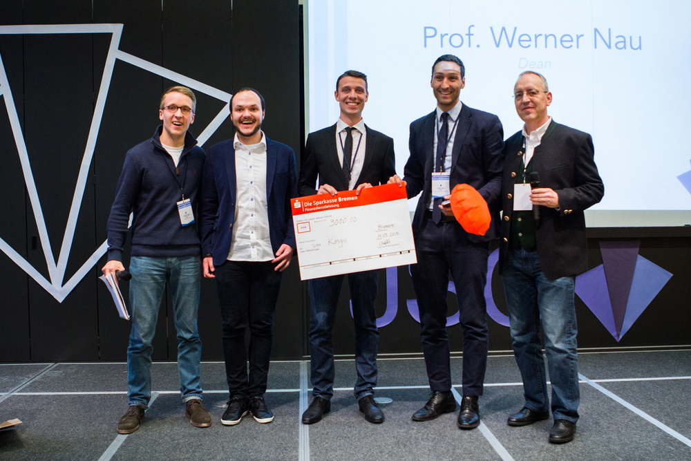 JSC Winner 2015 - Kingii from WHUKingii is a small wearable that provides you with an extra level of safety while being in or around the water.