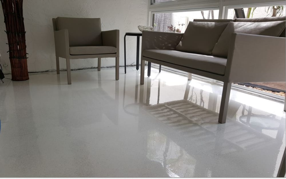 White epoxy floor with glitter satin finish concrete.jpg