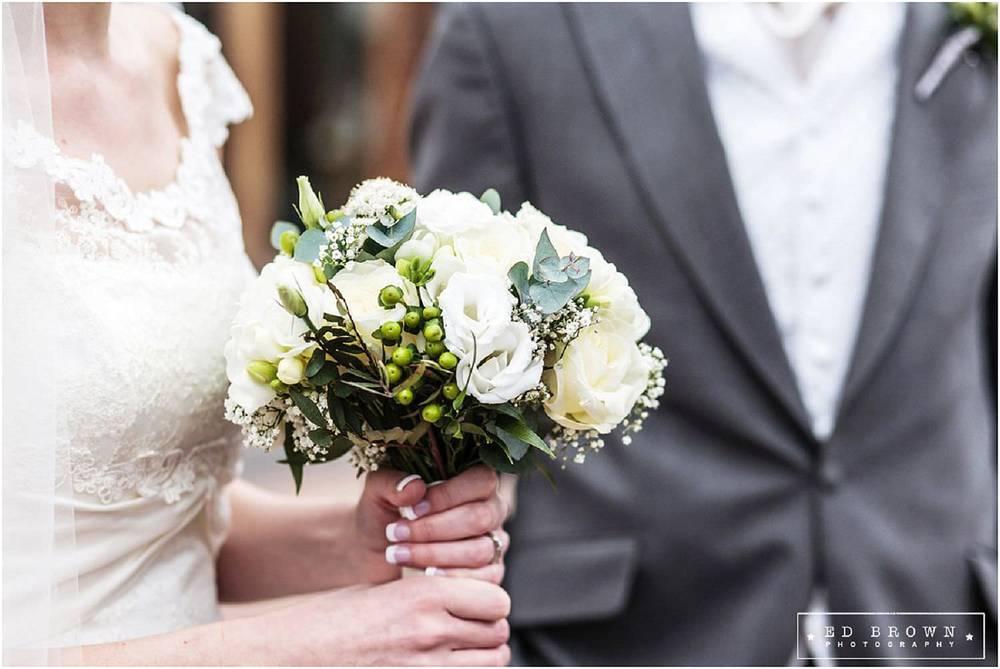 Mythe-Barn-Wedding-495.jpg