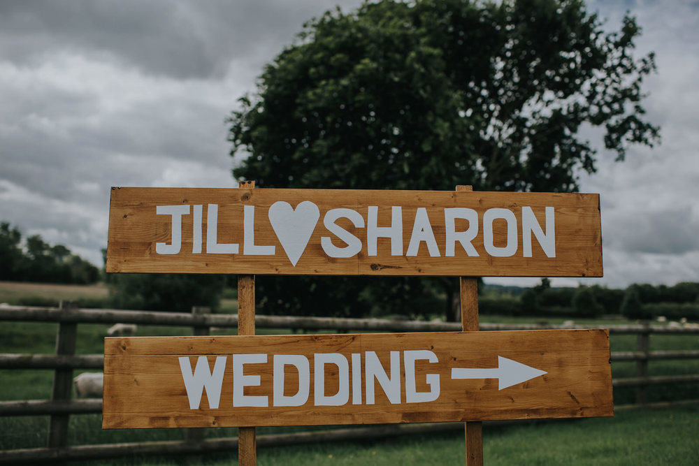 jill and sharon mythe barn wedding