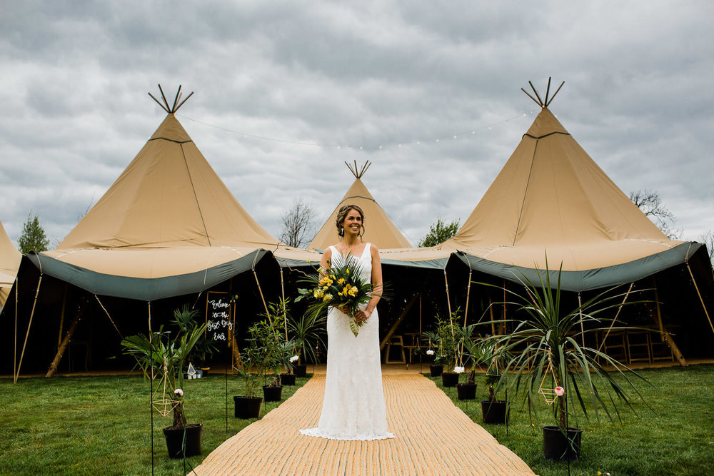 TIPI & FESTIVAL WEDDINGS SAMI TIPI PHOTO