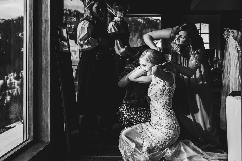 DESTINATION DOCUMENTARY NORWAY WEDDING PHOTOGRAPHER