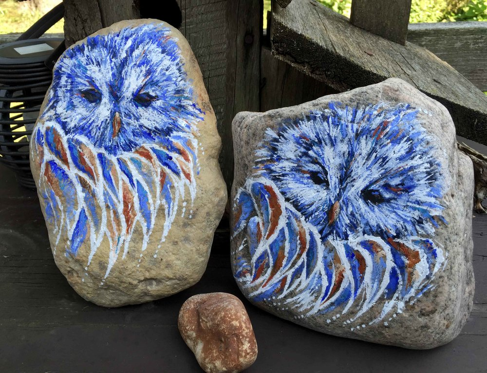 Creating Spirit Owls on the worlds oldest canvas – Rocks. There was an owl who lived in an oak.The more he heard, the less he spoke; the less he spoke, the more he heard. We all should be like that wise old bird.