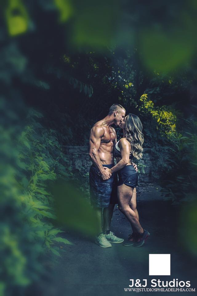 philly-fitness-couple-engagement-shoot