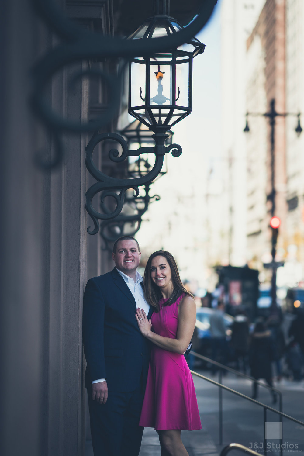 philadelphia-city-hall-engagement-photos