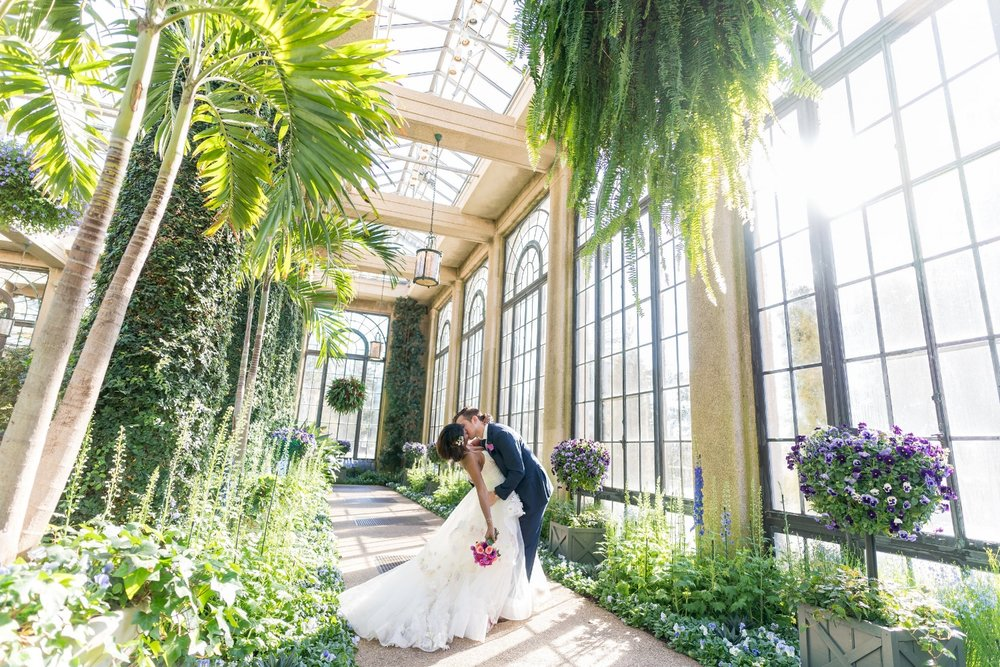 bridal-portraits-conservatory-longwood-gardens