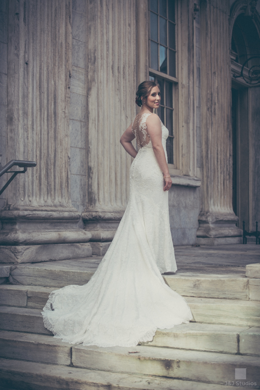 olde-city-philadelphia-bridal-portraits