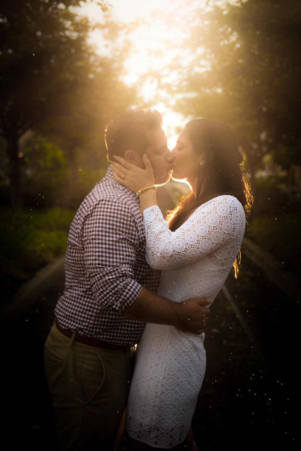 beautiful-golden-hour-philly-engagement-session