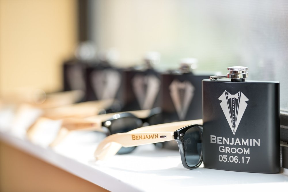 groomsmen-matching-flasks-sunglasses
