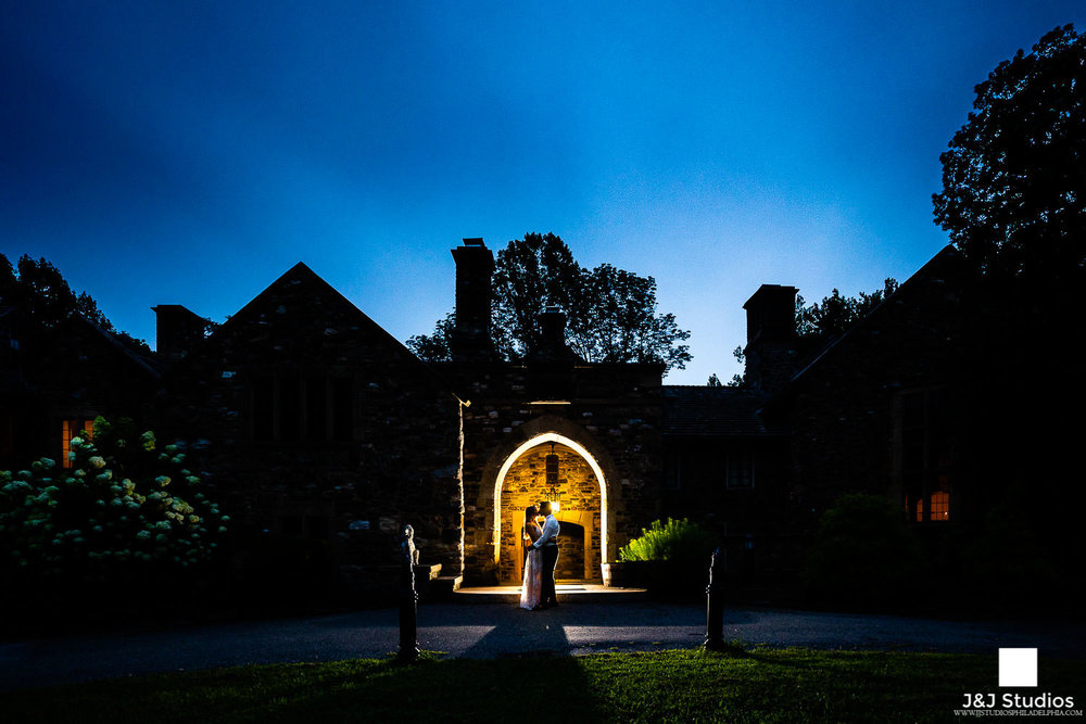 hunting-hill-mansion-night-engagement-session