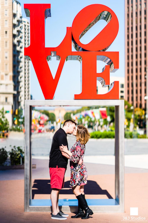 love-sculpture-engagement-philadelphia