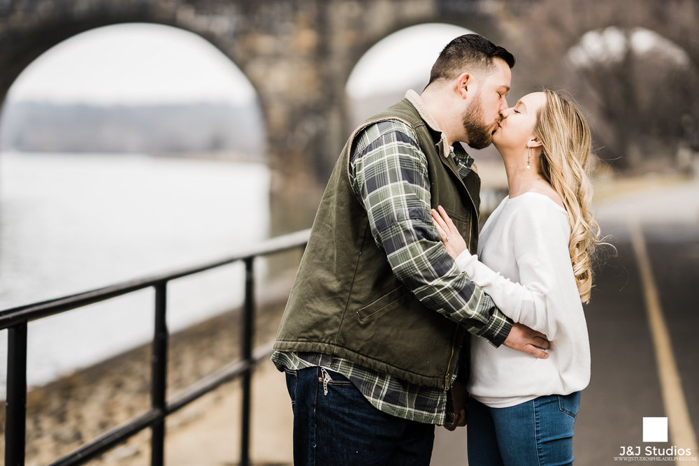 Schuylkill Banks engagement photos