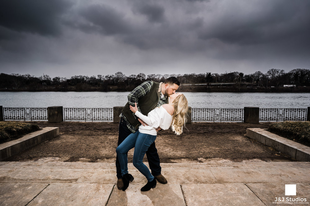 epic dip shot philly Schuylkill Banks kelly drive engagement photos