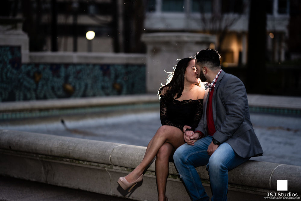 rittenhouse square philly couples portraits