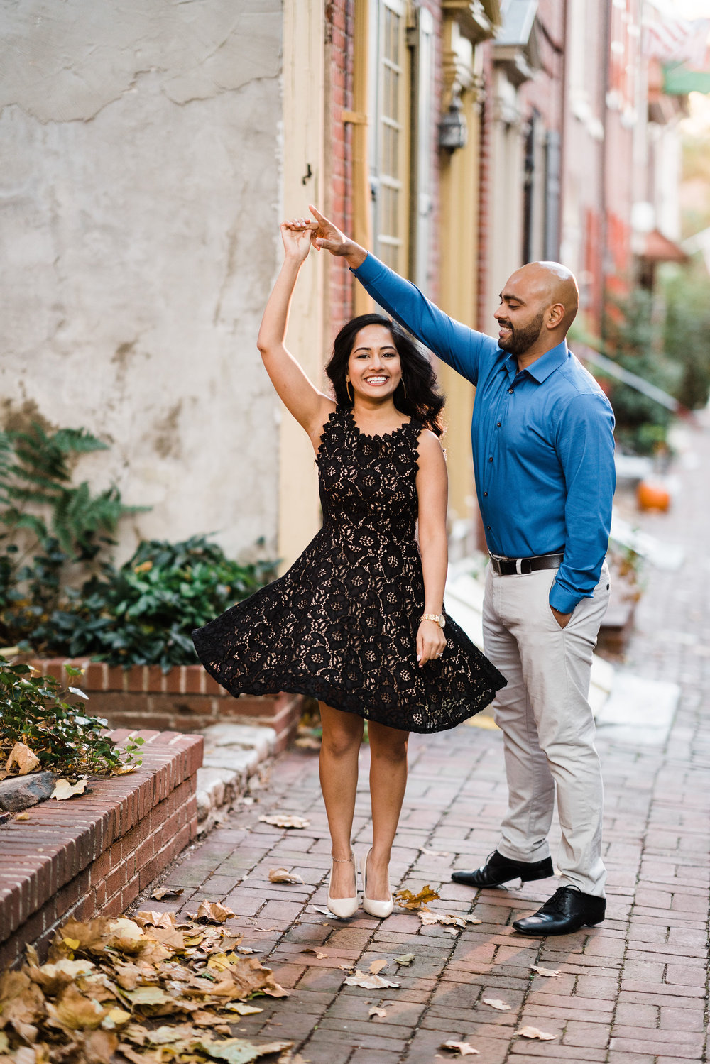 philly elfreth's alley engagement session