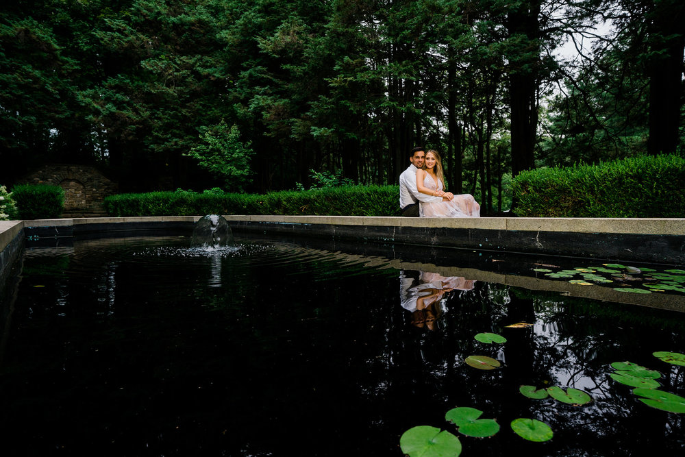 pond at hunting hill mansion engagement session