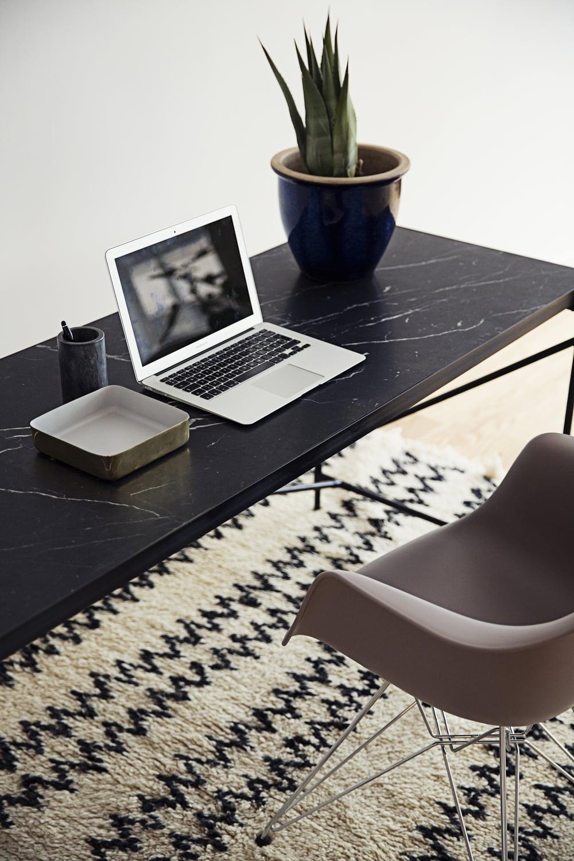 Desk-10_large.JPG