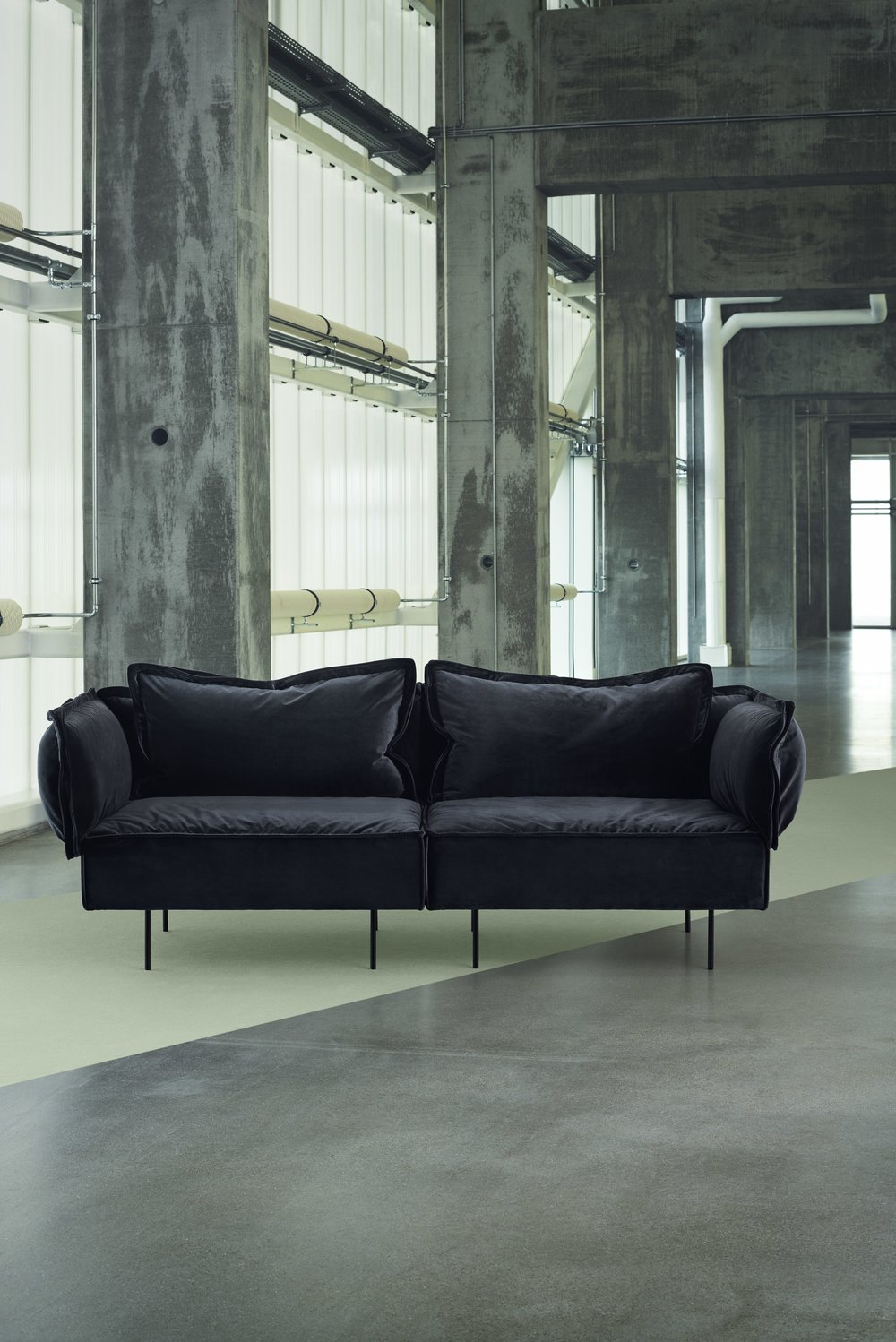 _HANDVARK CAMPAIGN 2017 - Modular Sofa in Dark Grey.jpeg