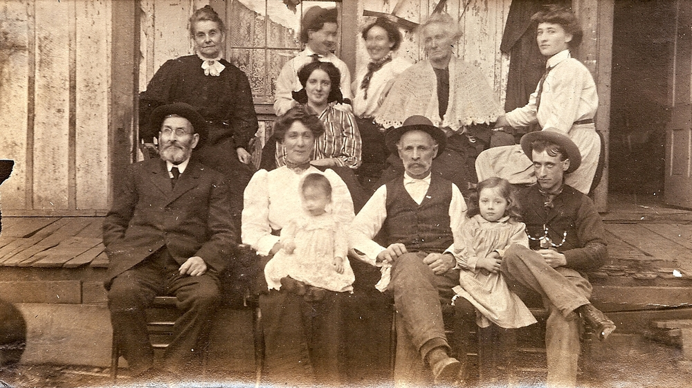 Family and Friends early 1900s probably around 1906-1908