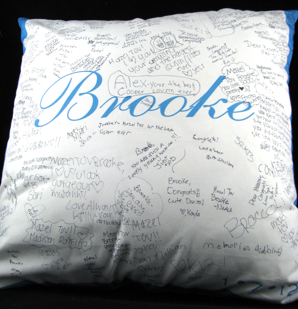 "BROOKE'S (27"") FLOOR PILLOW"