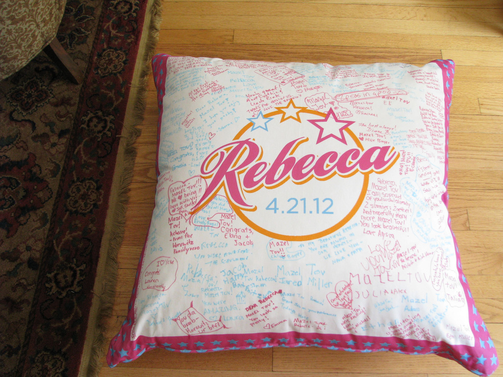 "REBECCA'S STAR (33"") FLOOR PILLOW"