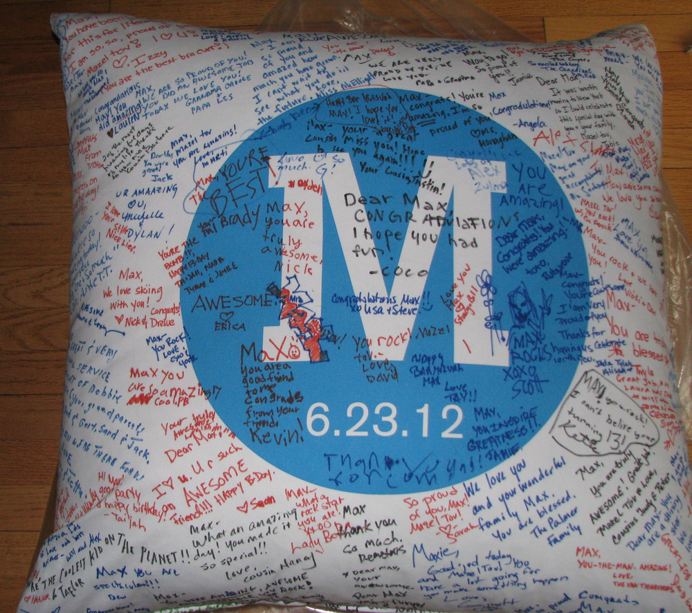 "MATT'S NYSPORTS (27"") FLOOR PILLOW"
