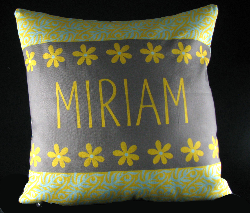 MIRIAM'S DAISY&VINE PILLOW