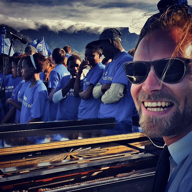 Getting ready for show time with a very funky group of young local choristers.. #capetownhabour #volunteeer #tablemountain #capetownyouthchoir #jointherace #aracewemustwin