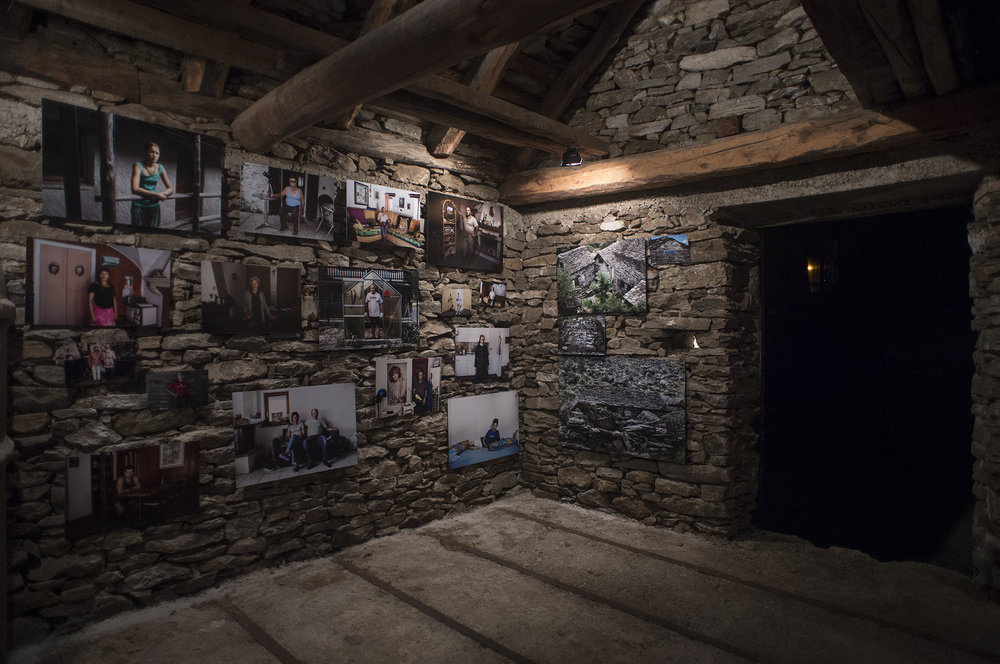 Exhibition space - Tecc dar Giacomina - Sonogno, Switzerland Per conoscere la pietra, frequentala... www.tiagocoelho.com.br
