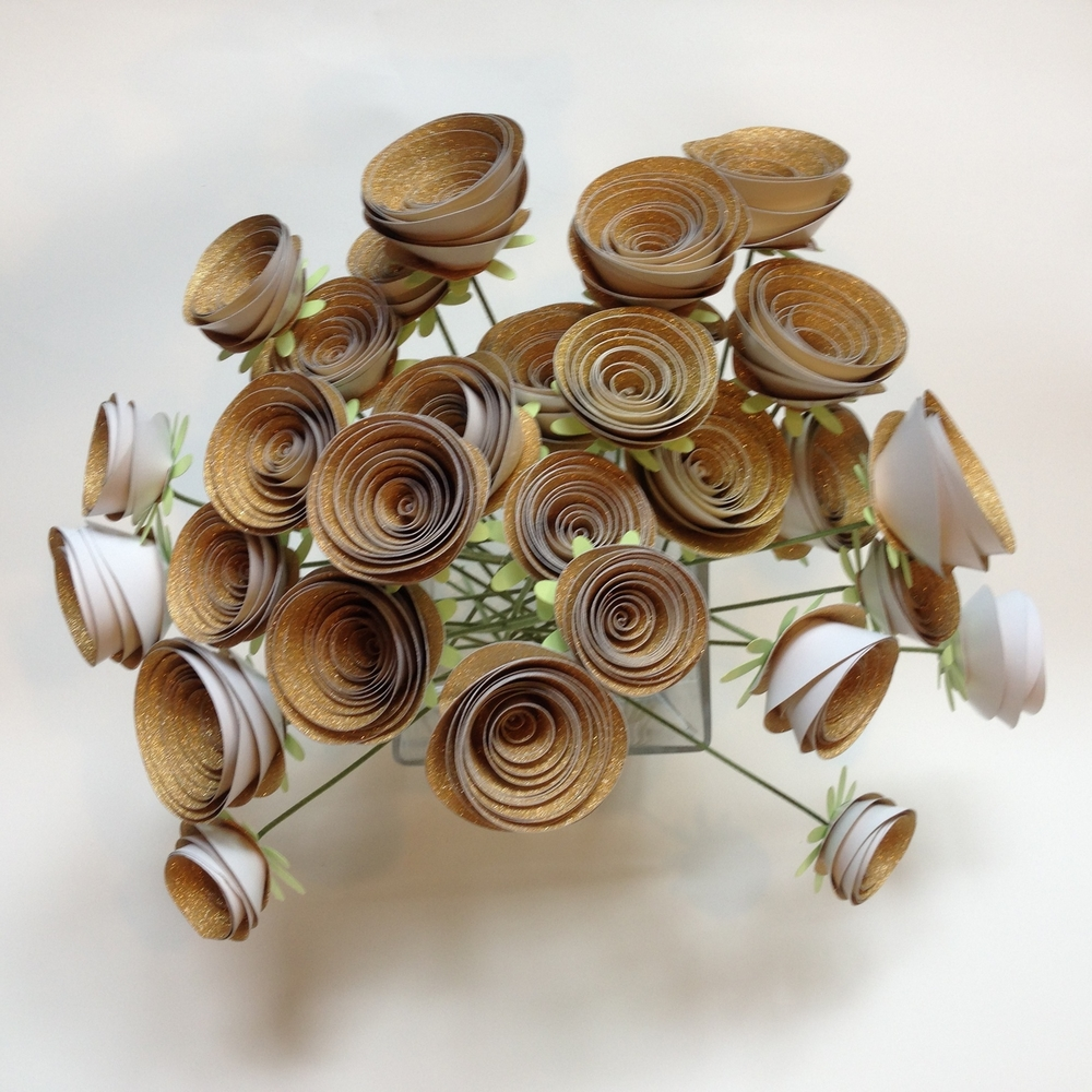 Spiral Ranunculus *Gold