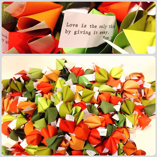 "#Love is the only thing you get more of by giving it away"" -Tom Wilson I love you all!! 💚 Paper fortune cookies make wonderful #weddingfavors don't you think?!"