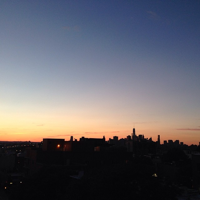 Who else out there enjoys the sunset daily? Here's my city #NYC from my hood #brooklyn