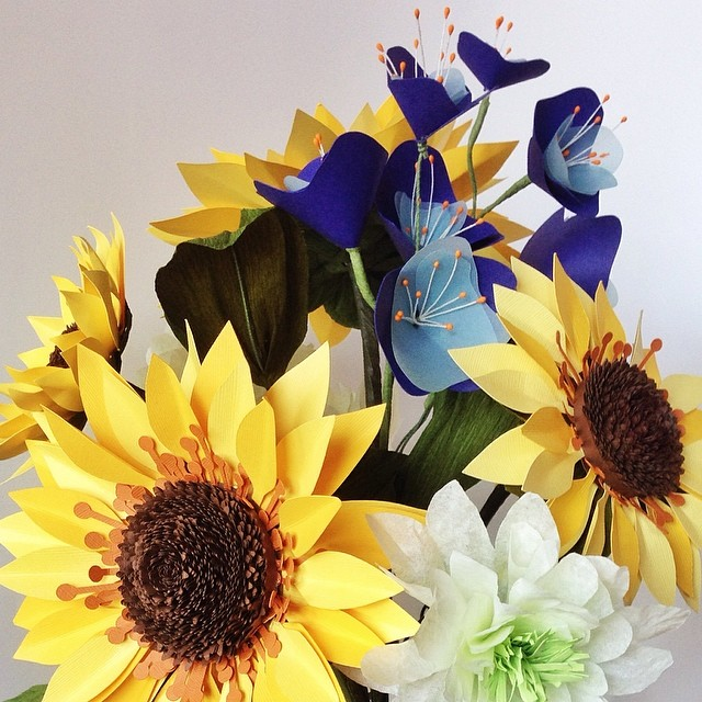 #Sunflowers in the mix of this #paperflower #bouquet