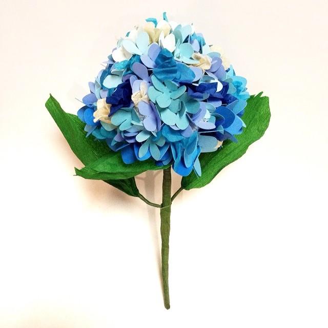 Hydrangea in Blue #paperflowers #hydrangea #paperhydrangea