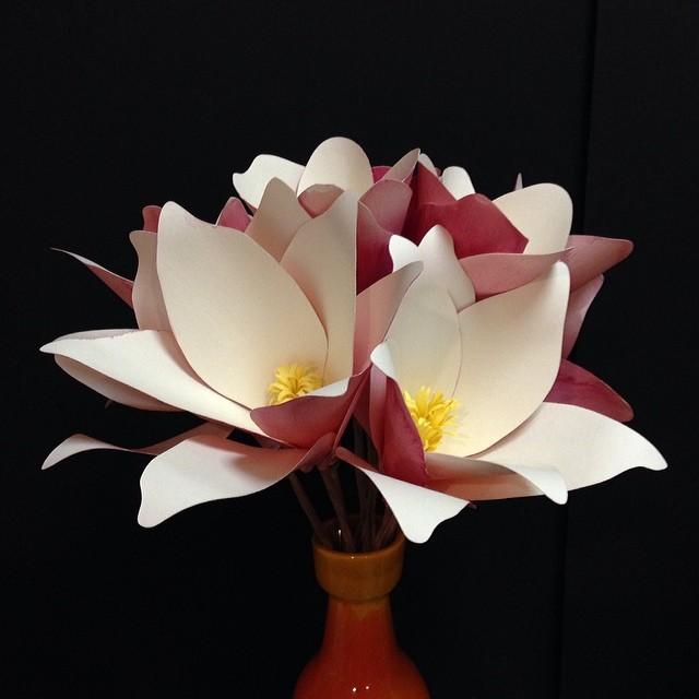 Magnolias in a vase #paperflowers #magnolias #paperart #springiscoming