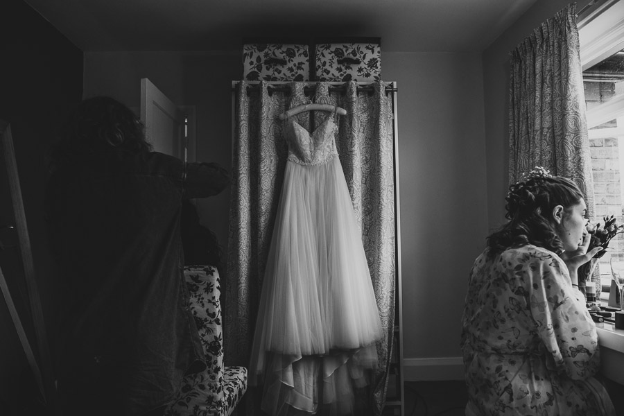 Carriage Hall Wedding Photography Prep (20).jpg