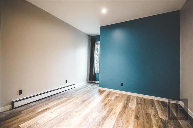 Upstairs bedroom (east exposure)