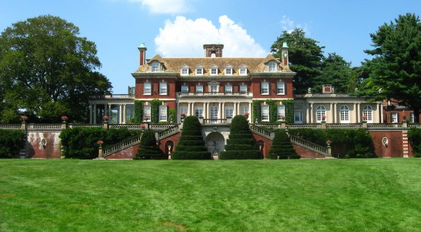 The Phipps Mansion at Westbury Gardens.jpg
