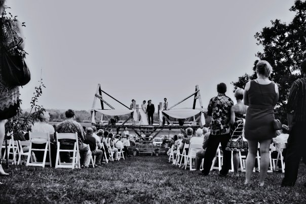 outdoor ceremony farm willoway 2009.jpg