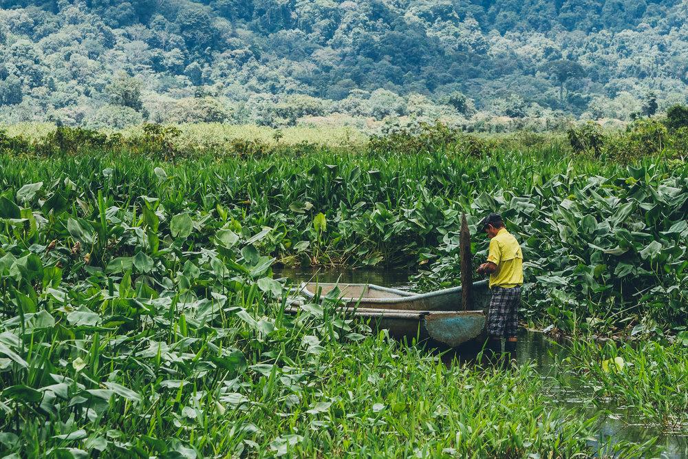 Laguna Chocuaco Canoe Trip -  Lokal Travel