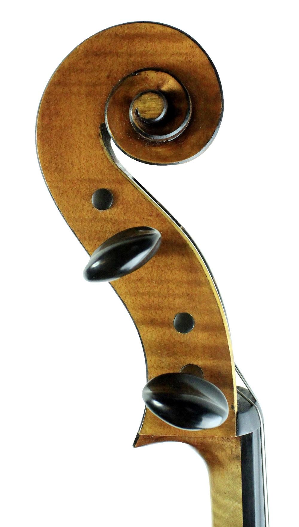 Ines (cello), Itzel Avila, 2011