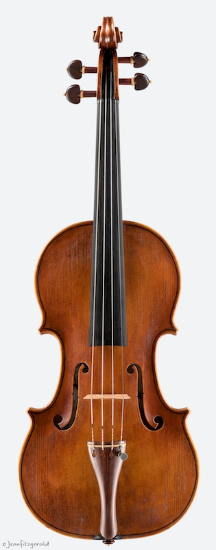Alice, violin by Itzel Avila, 2014