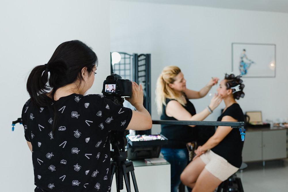 Grabamos el video para mostrar cómo es una sesión de fotos conmigo, emocionada al máximo con esta sesión !!! puedes leer sobre como fué AQUI