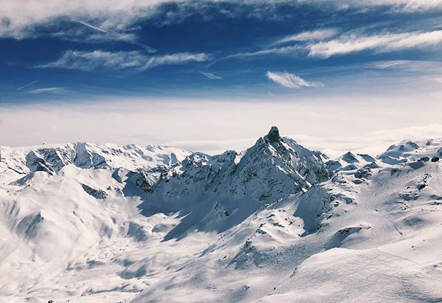 Beaut views from 2800m up . . . #skiing #snowboarding #alps #meribel #courchevel #travel #travelphotography